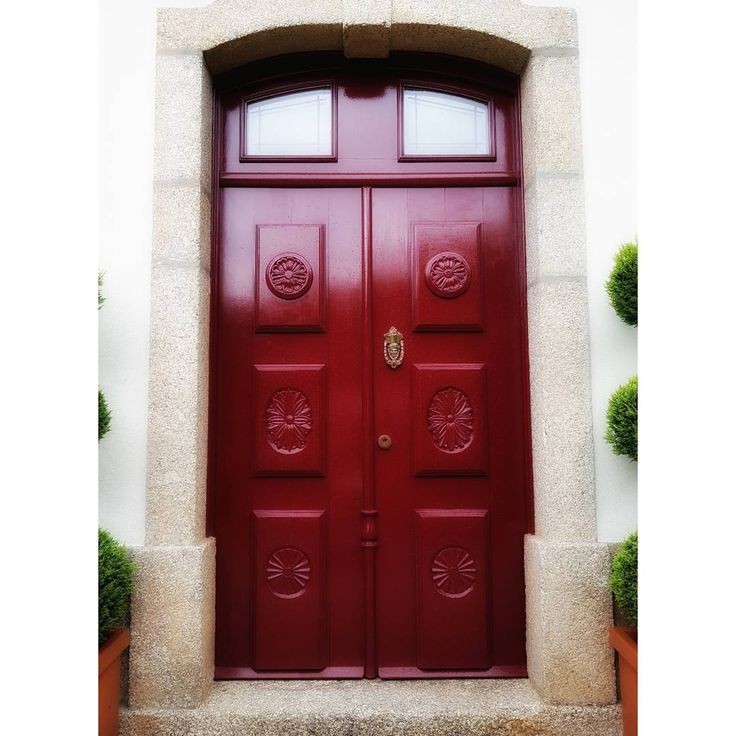 @mcuest1 #snapseedapp #snapseededitors #fiaisdabeira #love_united_team #ig_portugal #ig_alessandria #alessandria #estaes_portugal_ #oggimisentocosi_ #desdemisilla #movilgrafias #portugal #hotelstroganov #puerta #door #visitportugal #portugalcomefeitos #designhotel #boutiquehotel #stroganovhotel #coimbra #unlimitedportugal