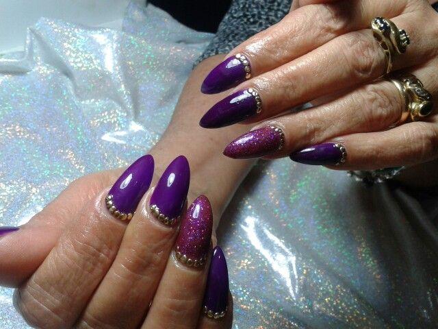 Ricostruzione unghie ... viola stupendo!  Con glitter! !