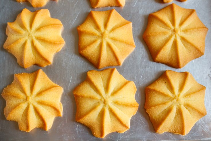 Prepára unas deliciosas Galletas de Mantequilla tipo Pasticetas en solo 5 pasos y utilizando 3 ingredientes, su sabor y textura las hace perfectas para acompañar el Café.