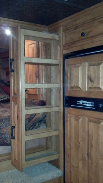 Used Horse Trailers for Sale small pantery