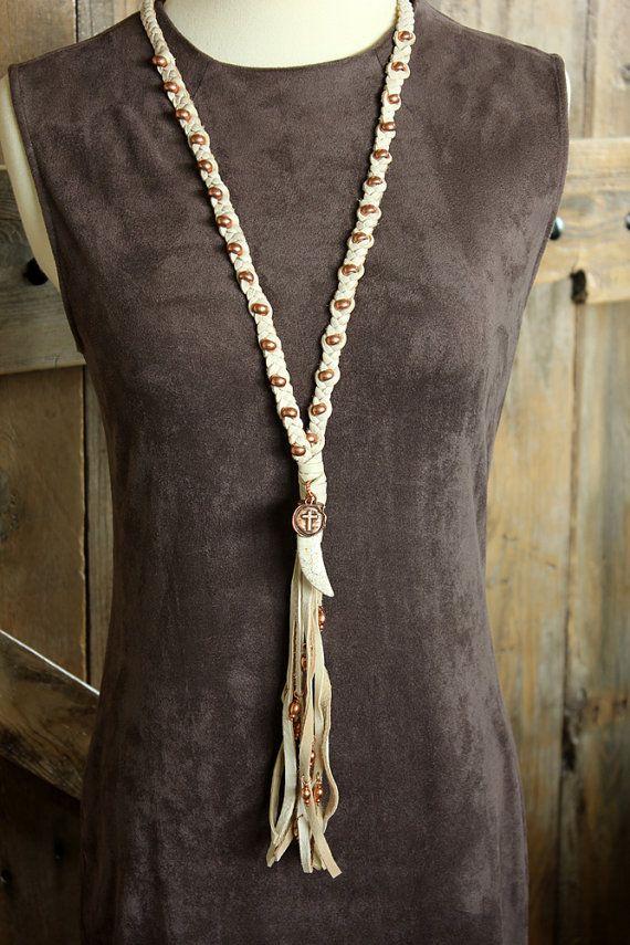 Cuoio intrecciato nappa collana con accenti di rame turchese