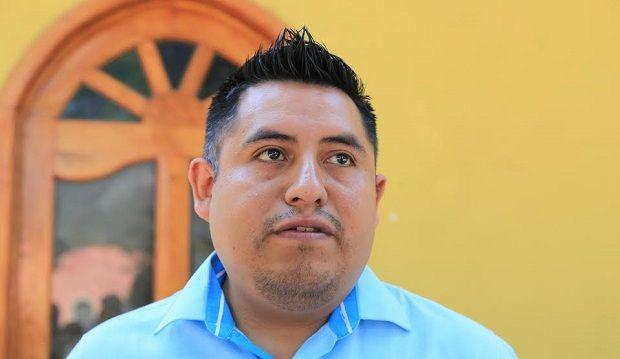 Rosario Robles solo vino a aengañar a los Veracruzanos: Alcalde de Tenejapan - http://www.esnoticiaveracruz.com/rosario-robles-solo-vino-a-aenganar-a-los-veracruzanos-alcalde-de-tenejapan/