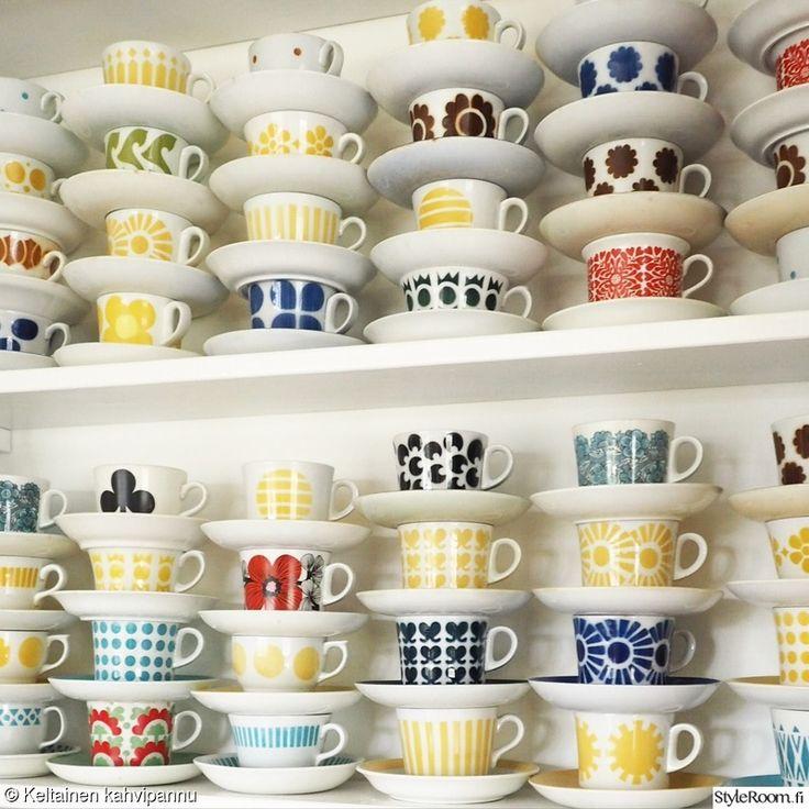 värikäs,kirpputorilöytö,kahvikuppi,astiat,retro