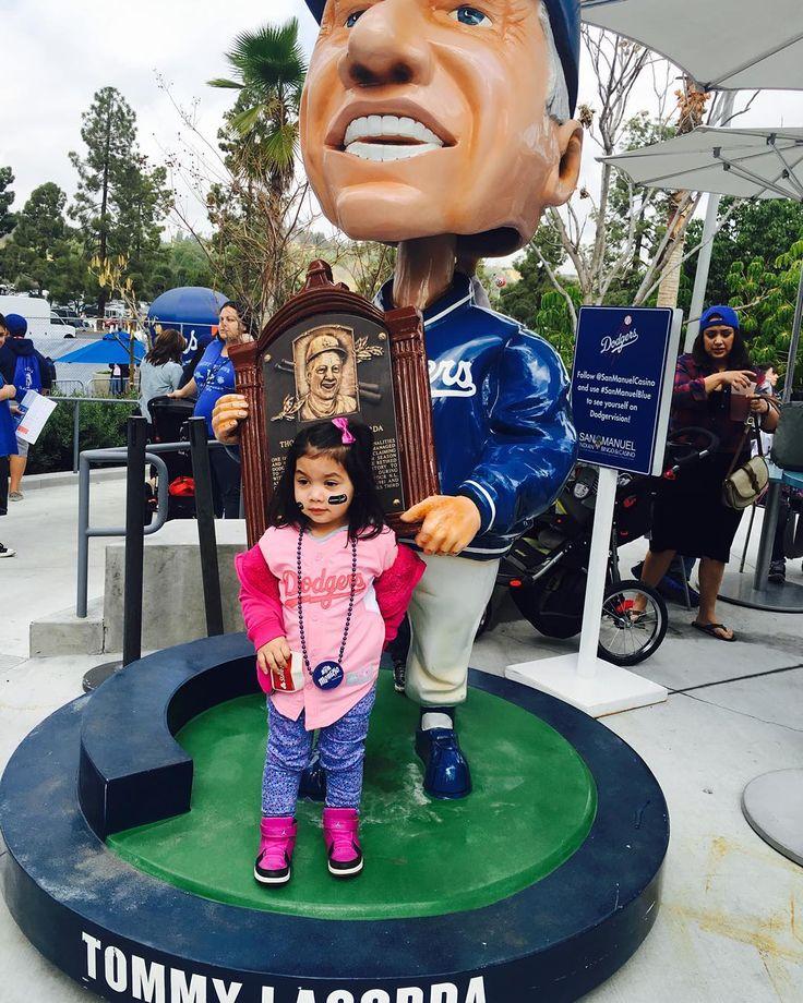 THINK BLUE: #Latepost de mi pequeña diva #Keila  #Dodgers #FanFest2016 by gera_el_23