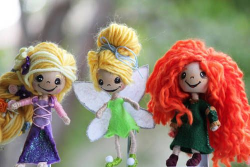 Tiny Disney Dollies! Forget what the kids want; I want some of these for myself!