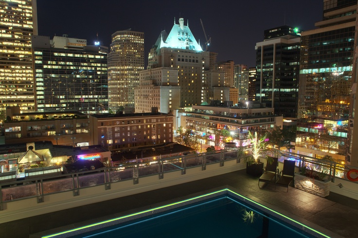 Somerset rooftop pool.   1033 Haro Street, Vancouver BC  http://ow.ly/eChIq