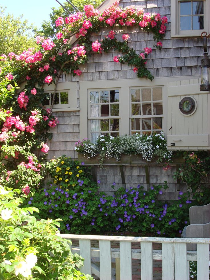 25+ Best Ideas About Nantucket Cottage On Pinterest