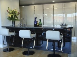 europeancabinetry.com  cream high gloss and black lacquered glass