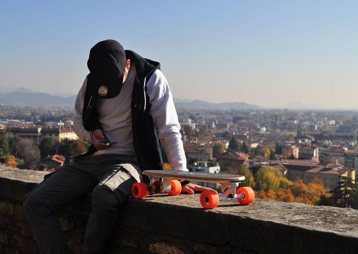 Waiting for 2018.. #bolt #boltmotion #electric #skate #ride #loveskateboarding #skatelife #skateboard #sk8 #gogreen #skatepark #skategram #skateboarding #skatespot #commuter #skating #skateboarder  #skateboardingisfun #commute #electricvehicle #electricskateboard #ev #cleanenergy #skateboards #skateaholic #skateeverydamnday #everyday