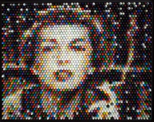 Retratos hechos con crayones