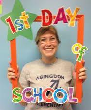 Resultado de imagem para photo prop frame 1st day of school