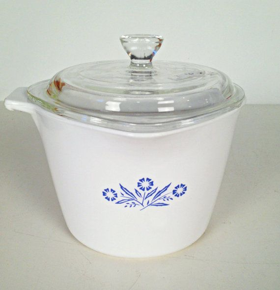 vintage Corningware cornflower blue saucemaker with lid - 1 quart