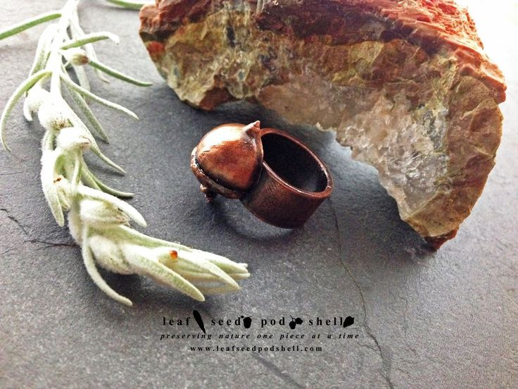 This tiny acorn ring in antique copper has just been added to our store. Size 6 ½.  Link in bio. #leafseedpodshell #crystal #crystals #electroform #electroforming #electroformed #jewelry #jewellery