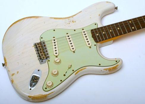 Fender Custom Shop '60 Strat Heavy Relic (White Blonde) - This Strat has had…