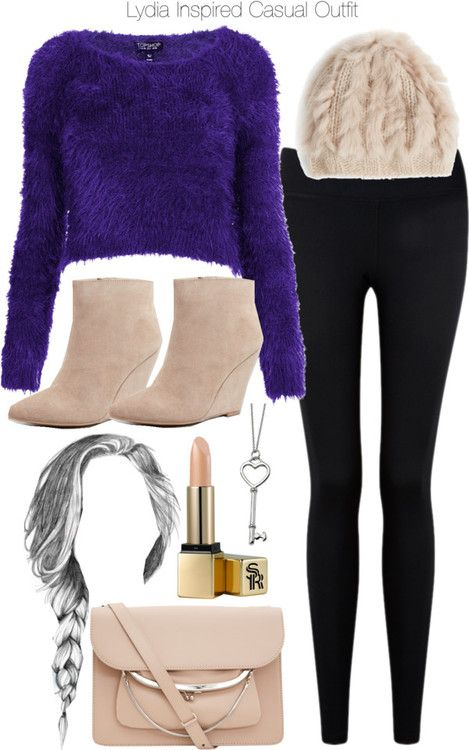 Topshop sweater / Forever 21 skinny pants / Seychelles wedge boots / Maison Martin Margiela leather purse, $1,410 / Reeds Jewelers pendant necklace / Annabelle New York knit hat / Sunday Riley lips makeup