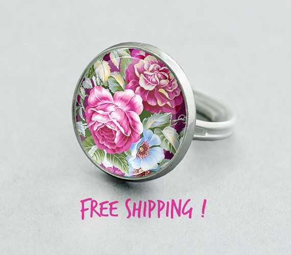 Pink Roses Ring. Chic Pink Flowery Ring. Floral by ManzukoJewelry