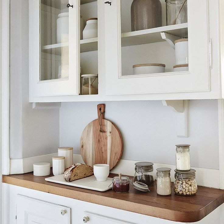 The beautiful mix between the feminin and rough style. A great combination that makes a perfect harmony. #hubschinterior #kitchenware #interior #kitchen #homedecor #nordichome #happiness
