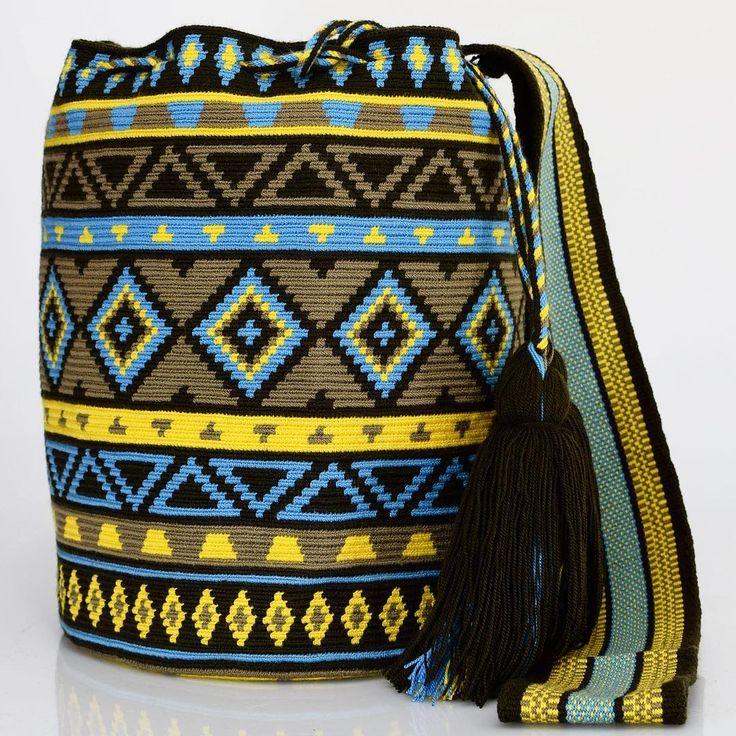 Handcrafted handbags made by indigenous wayuu in the north of Colombia. Worldwide shipping – envíos mundiales – PayPal WA +57 3188430452 #seoul #ootd #mochilas #wayuu #handmade #boho #hippie #bohemian #กระเป๋าถือ #Handgjord #Handgemacht #Handgemaakt #faitmain #london #australia #wayuubags #handcrafted #กระเป๋า #slowfashion