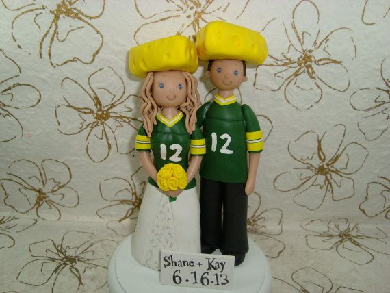Custom Bride & Groom Green Bay Packers Fans Wedding Cake Topper Im ready for our church wedding LOL Misa in a Chivas jersey though :)