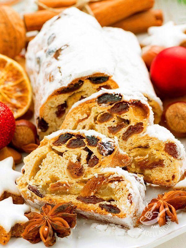 Dello Stollen austriaco Spadellandia presenta due versioni, quella classica e quella, altrettanto gustosa, che prevede l'aggiunta di marzapane.