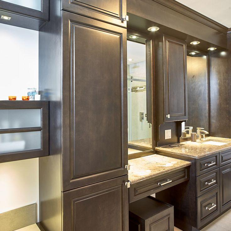 vanite de salle de bain en bois massif avec espace coiffeuse
