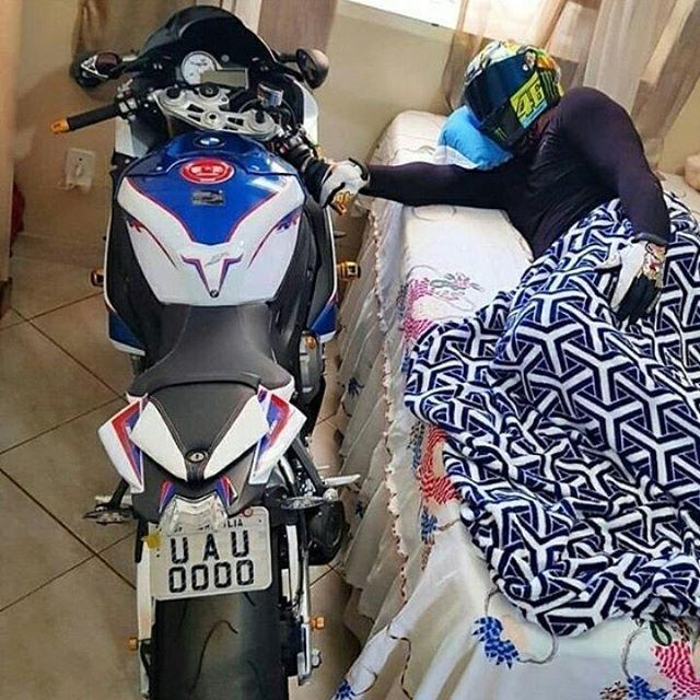 Reposting @legendarymotorsport__: morning  make sure you follow uss @legendarymotorsport__ 📷 #motorcycle #instamotogallery #ducati #bikelife #moto #motogp #sportbike #superbike #instamotorcycle #instamoto #pistonaddictz #bikeswithoutlimits #sportsbikelife #r1 #honda #yamaha #kawasaki #suzuki #mvagusta #cbr600rr #r6 #s1000rr #bikenight #yzf #yamahar1 #rideout #motogp2016 #bikerchick #harleydavidsonnation
