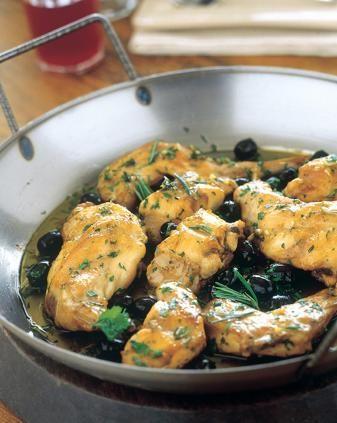 Coniglio alle olive nere, rosmarino e prezzemolo.
