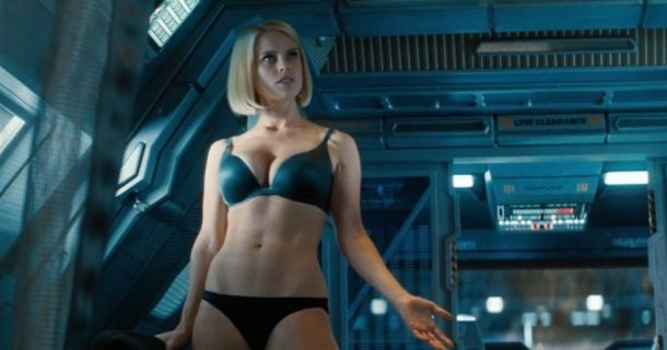 Sexy or Sexist? How Star Trek Into Darkness turned Heroines into Damsels in Distress | TrekMovie.com