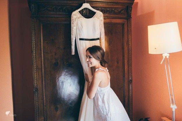 La Boda de Laura y José. El vestido soñado diseñado por Isabel Nuñez. Wedding Planner: El Balcón de Alicia Foto: Kiwo @telva    #realwedding #bride #novia #vestido #dress #weddingdress #happiness