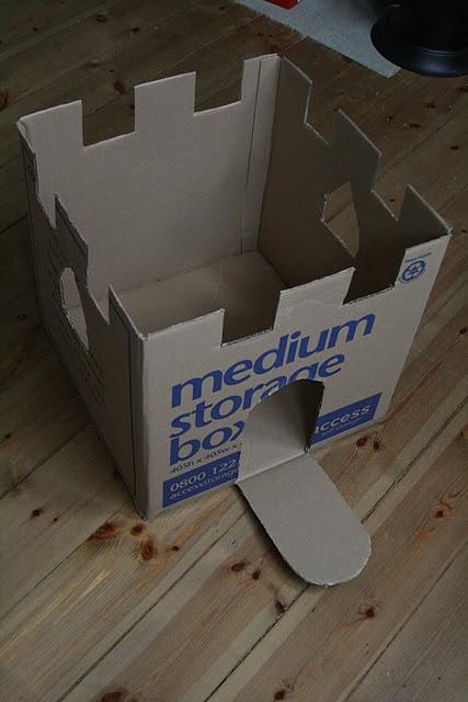Cómo hacer un castillo con una caja.