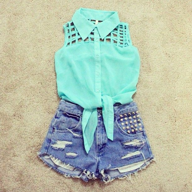 blue top with hight waisted shorts