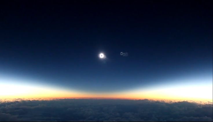 VIDEO: Eclipsa De Soare Din Zborul 870 Alaska Airlines