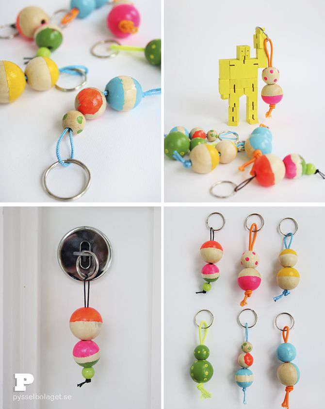 Wooden beads are so much fun to work with! Today we're making cool keychains, inspired by Helena on the blog Craft & Creativity. You need wooden beads of various sizes, acrylic paint, elastic cord, a brush, metal rings and masking tape. If you like the wooden beads to be more durable, you also need varnish.(...)