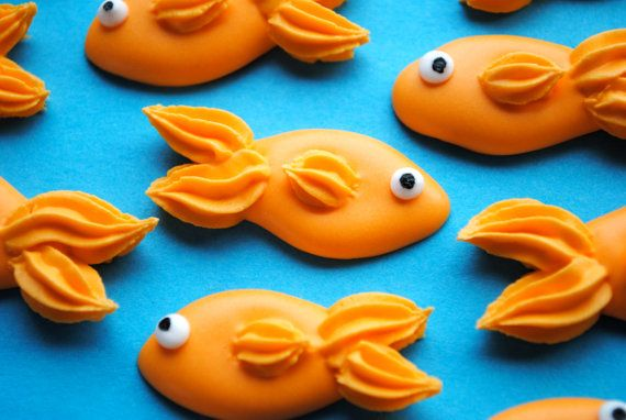 Royal Icing Goldfish Handmade Edible Sugar door cupcakesbychristy, $18.00