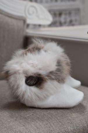 """Cute christening bootees for boys, for cold and windy days, matching the """"Toulouse"""" suit."""