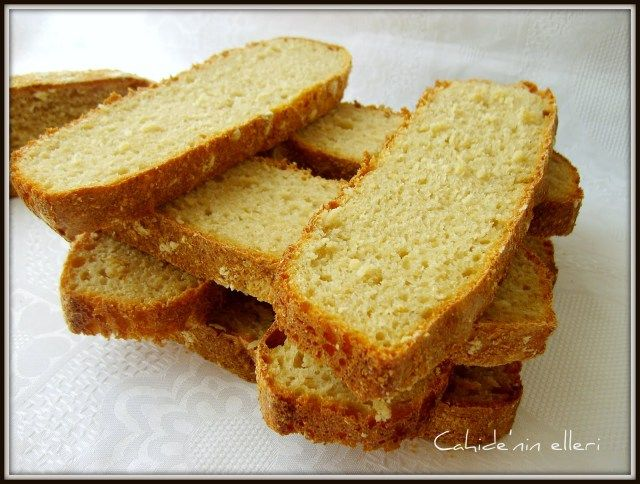 Hatırlarsanız daha önce size nohut mayasının yapımını ve nohut mayalı ekmeği anlatmıştım.Bu da evde hazırlayabileceğimiz ikinci maya olan ekşi maya.Ekşi mayanın hazırlanması gayet kolay.Sadece bira…