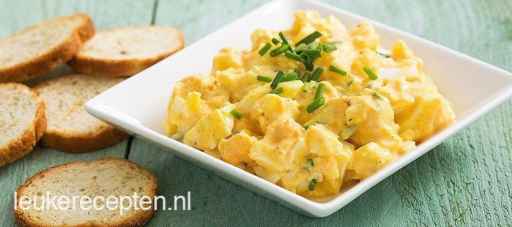 Lekker op een toastje of wat brood: zelfgemaakte eiersalade met bieslook en kerrie