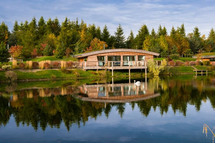 Luxury, lakeside lodges on a private country estate, just a few miles away from the idyllic Yorkshire Dales…