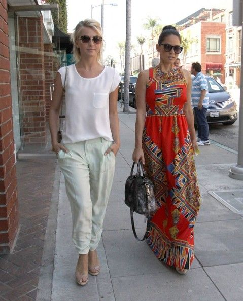 Julianne Hough - Julianne Hough and Olivia Munn at the Nail Salon