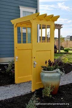 újrahasznosítási ötletek régi ajtóból