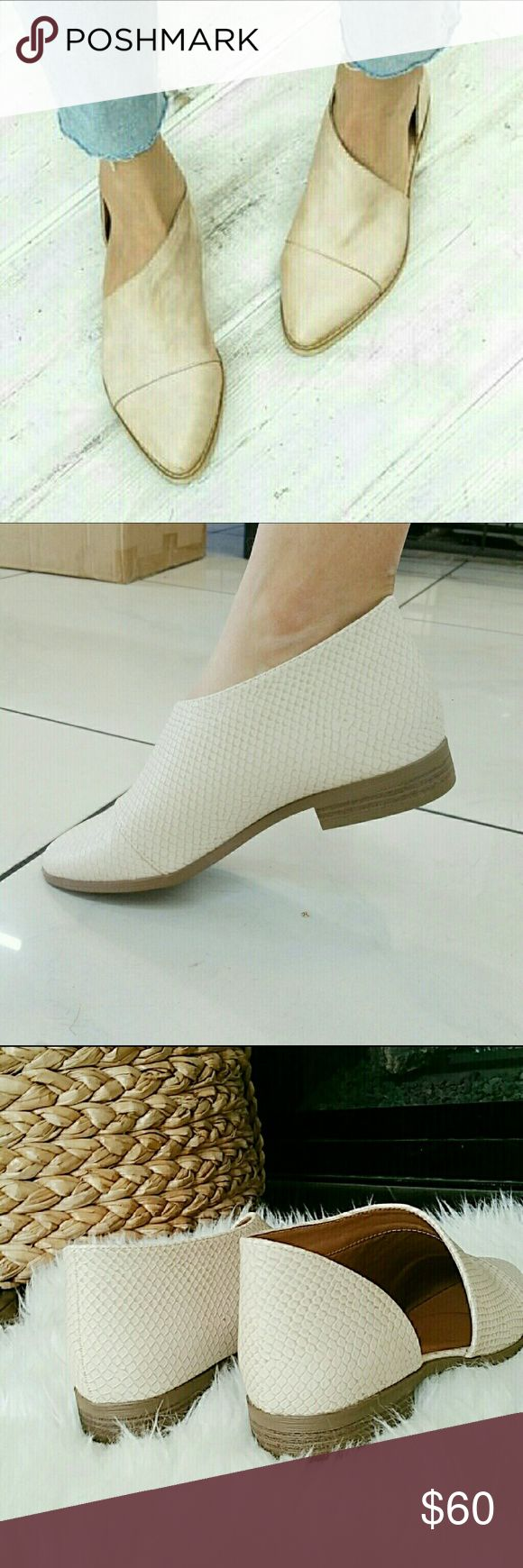 """Faux Snake Skin Ankle Cut Out Flats - Beige @blushonme at Poshmark   Beige faux snake skin ankle Cut out flats   ALSO AVAILABLE IN BLACK!  True to size  (Heels do pop up when walking)  Heel - Approx 1""""  ● PRICE IS FIRM ●  PLEASE ASK QUESTIONS BEFORE BUYING. ALL SALES ARE FINAL. NO RETURNS. NO EXCHANGES.   Box not included  Boutique brand  No Trade Shoes Flats & Loafers"""