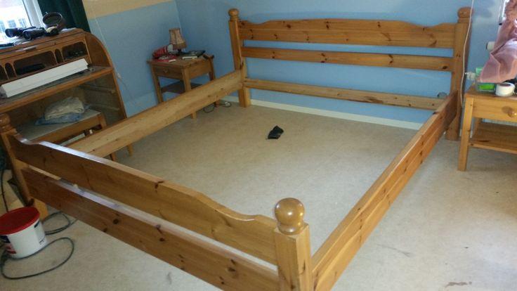 Än old bed frame, became a...