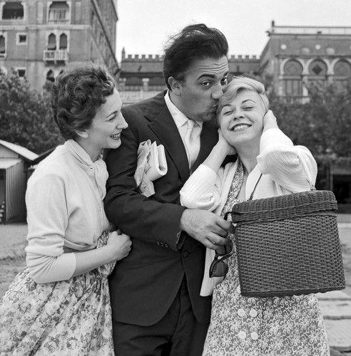 Valentina Cortese, Federico Fellini, & Giulietta Masina in Venice #GiuliettaMasina #actress #italian #neorealism #cinema #fellini