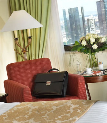 Frankfurt Marriott Hotel-The Frankfurt Marriott Hotel makes an impressive appearance as the tallest hotel on the continent, while being conveniently located in Europe's banking capital.