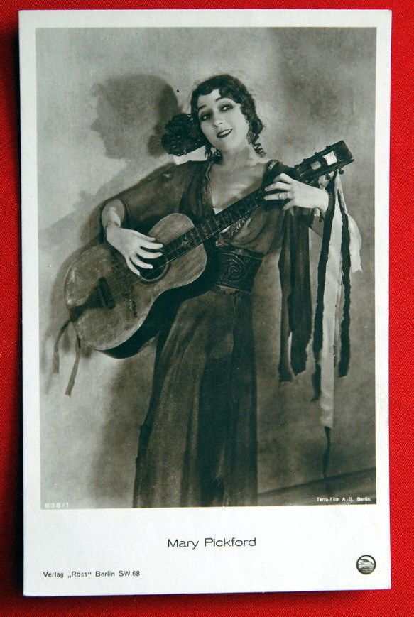 MARY PICKFORD PLAYING GUITAR FLAMENCO 1920' VINTAGE POSTCARD PHOTO ROSS 838/1