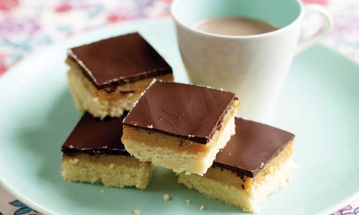 In Engeland is Gizzi Erskine razendpopulair vanwege haar 'to die for'-recepten. Zoals deze: zandkoekjes met karamel-rozemarijnsmaak. Bekijk het recept.