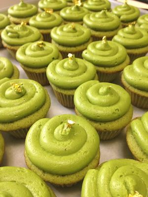 Green tea is just about my favorite so these Green Tea cupcakes should make me very happy.