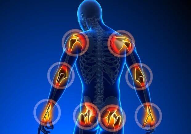 Hlavními příčinami problémů s klouby bývají onemocnění dna a artritida, ale mohou být způsobeny i úrazy, leukémií, vykloubení, fibromyalgií, ztuhlými svaly nebo Lupus. V případě existujícího onemocnění je bolest konzumací určitých potravin ještě více vyhrocená, jinými zase vyvážena. Na naší stránce jsme již několikrát psali o těch potravinách, které bolesti kloubů potlačují. A dnes si …