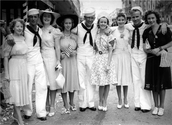 US servicemen and local Brisbane women, 1941.