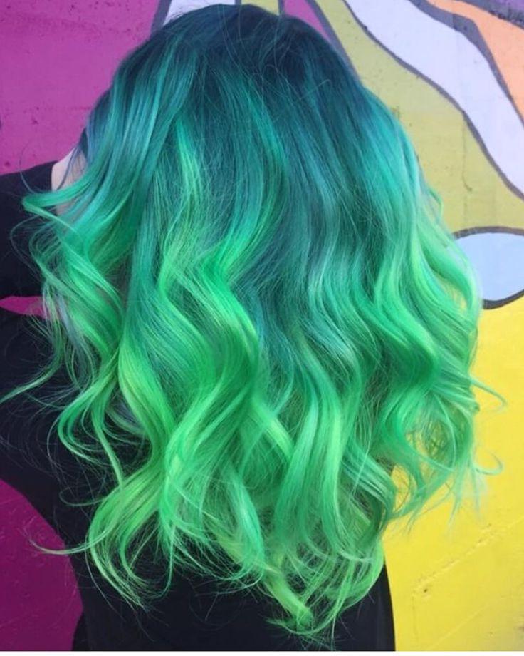 "7,334 Me gusta, 32 comentarios - Pulp Riot Hair Color (@pulpriothair) en Instagram: ""@helainacatherine is the artist... Pulp Riot is the paint."""